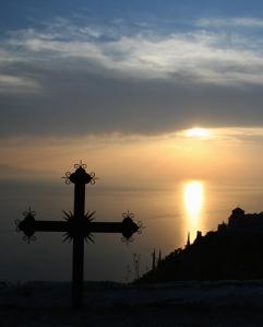Cruce in apus de soare
